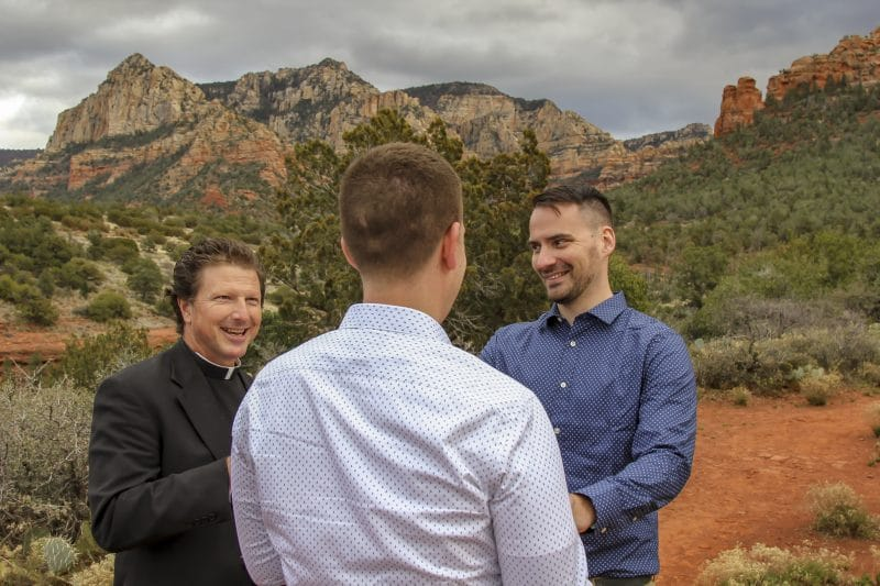 Using state-of-the-art photography equipment, Leslie's years of experience in Sedona have taught her the most beautiful places and best times of day for Sedona wedding photography. Call to discuss a variety of Sedona wedding locations!